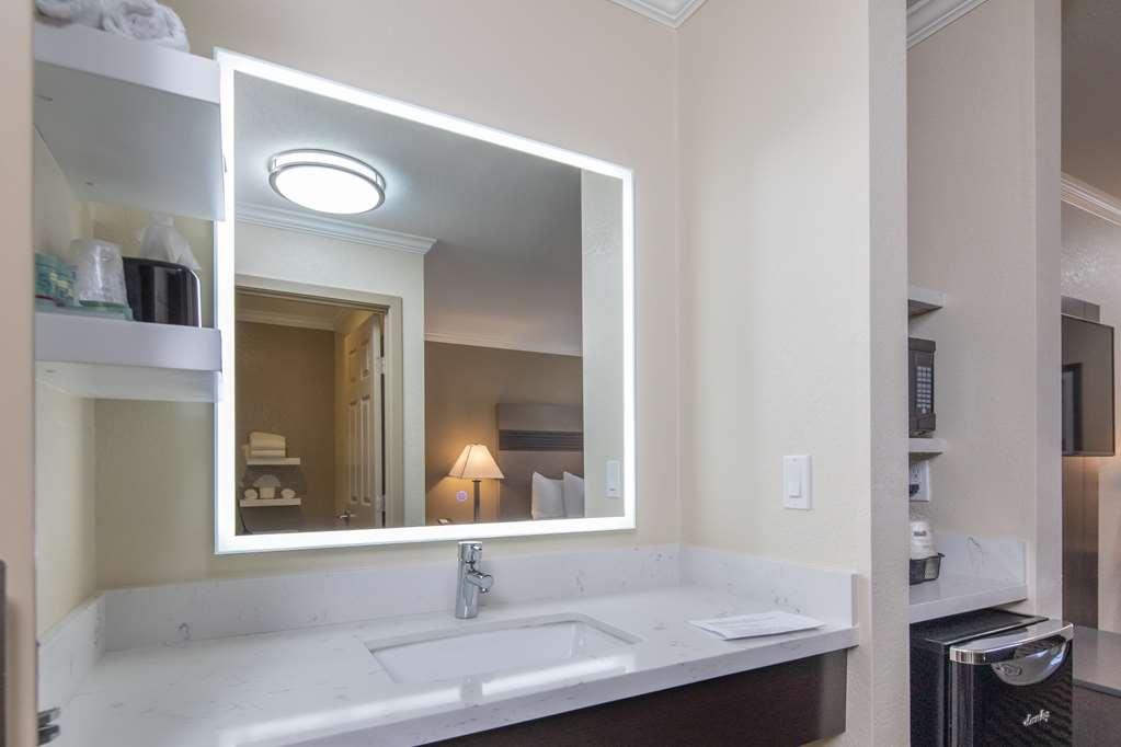 Best Western Silicon Valley Inn - Guest Room Vanity