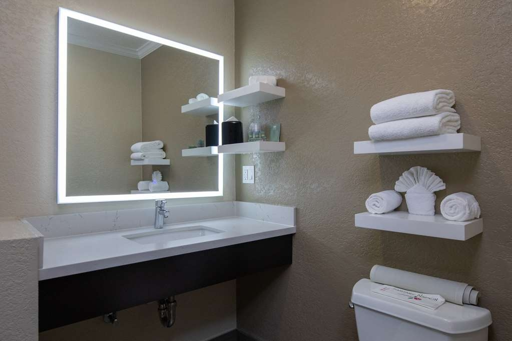 Best Western Silicon Valley Inn - One King Business Shower Vanity