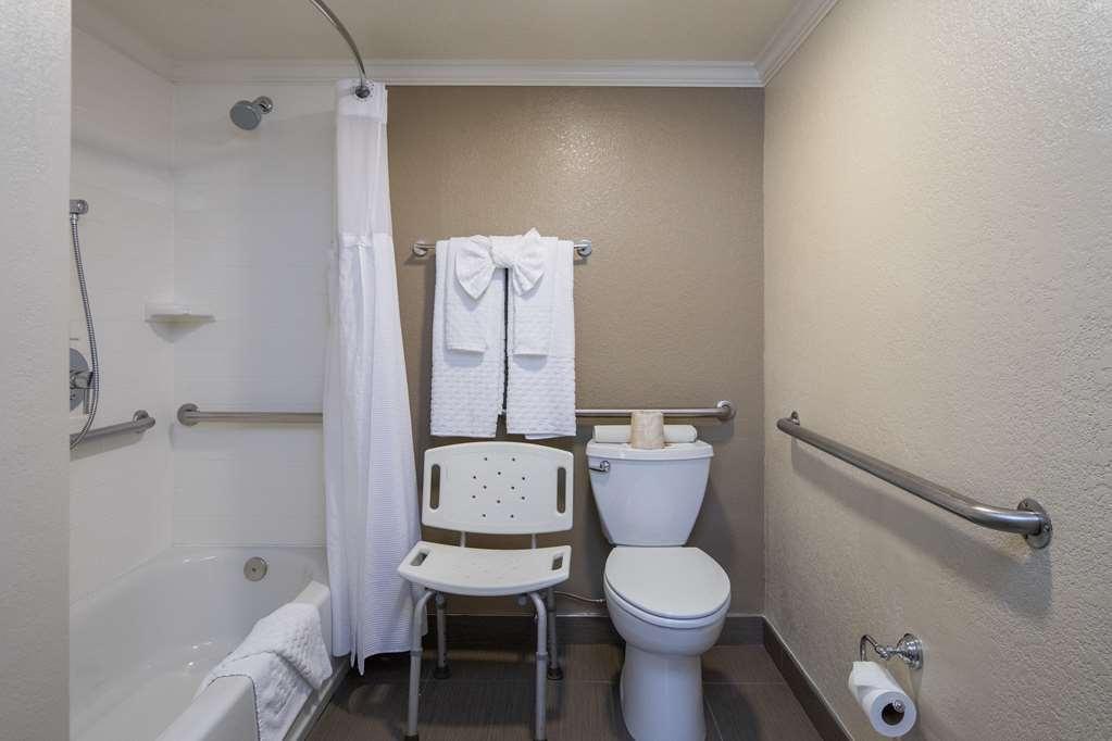 Best Western Silicon Valley Inn - One King ADA With Bathtub