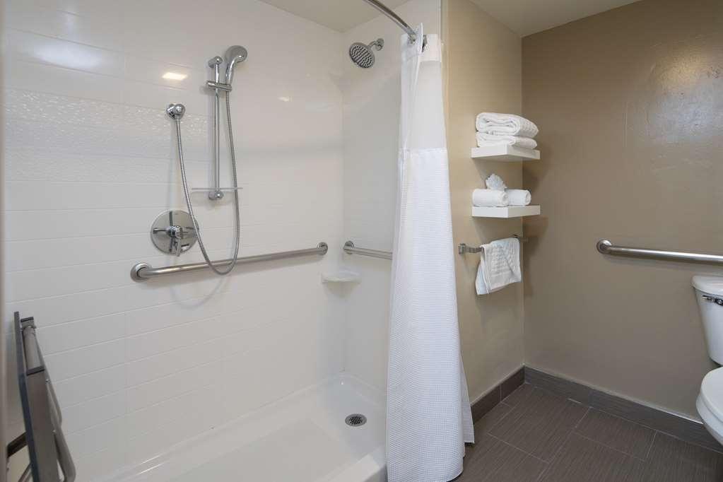 Best Western Silicon Valley Inn - One Queen ADA Walk in Shower