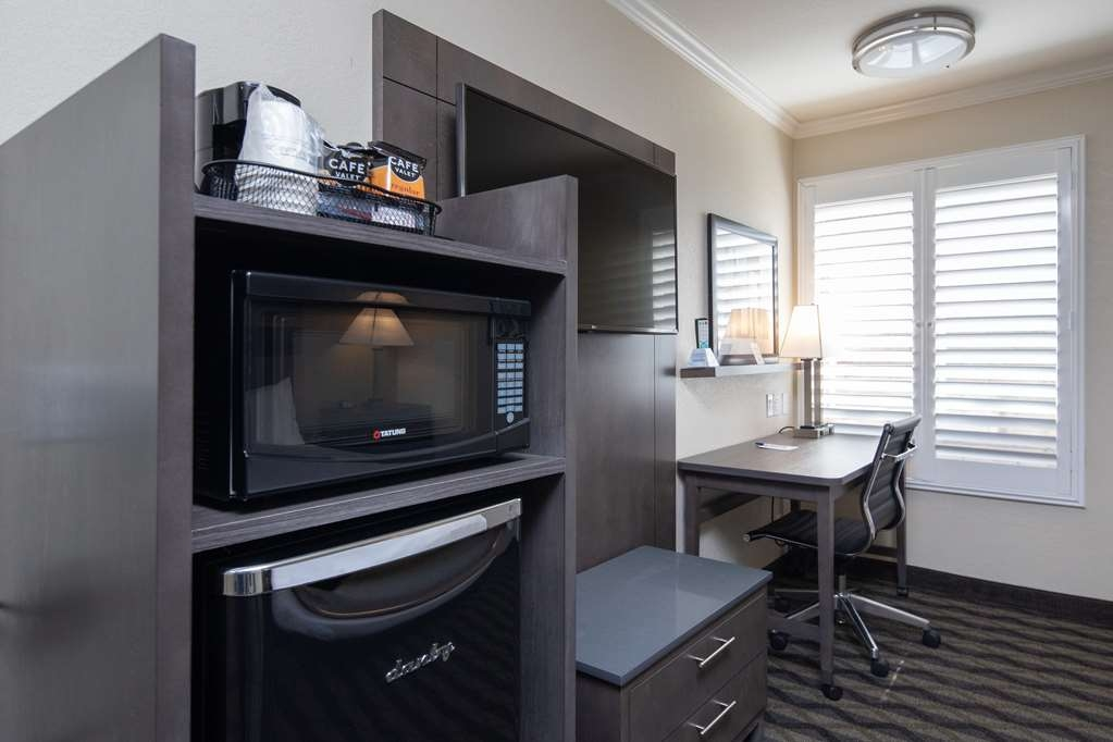 Best Western Silicon Valley Inn - One Queen ADA Room