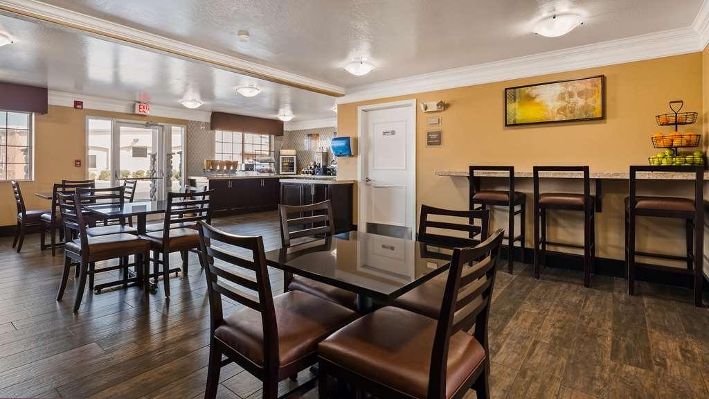 Best Western Liberty Inn - Breakfast Area