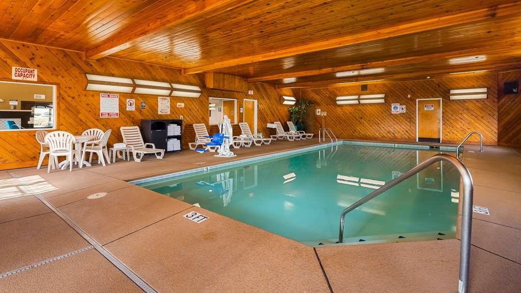 Best Western Liberty Inn - Vue de la piscine
