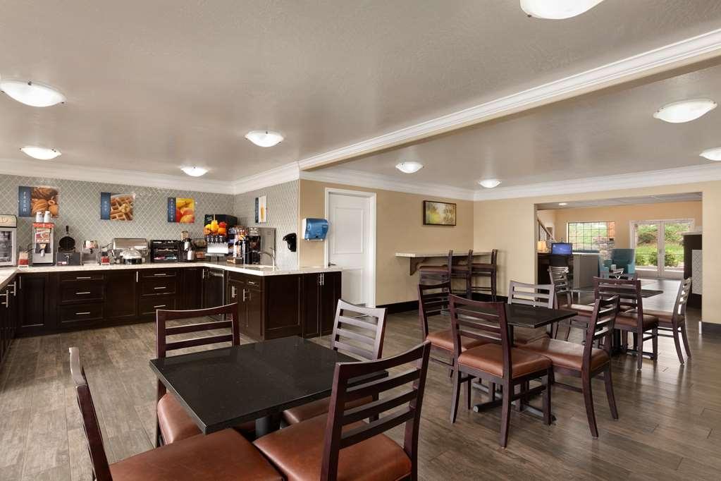 Best Western Liberty Inn - Le petit déjeuner buffet