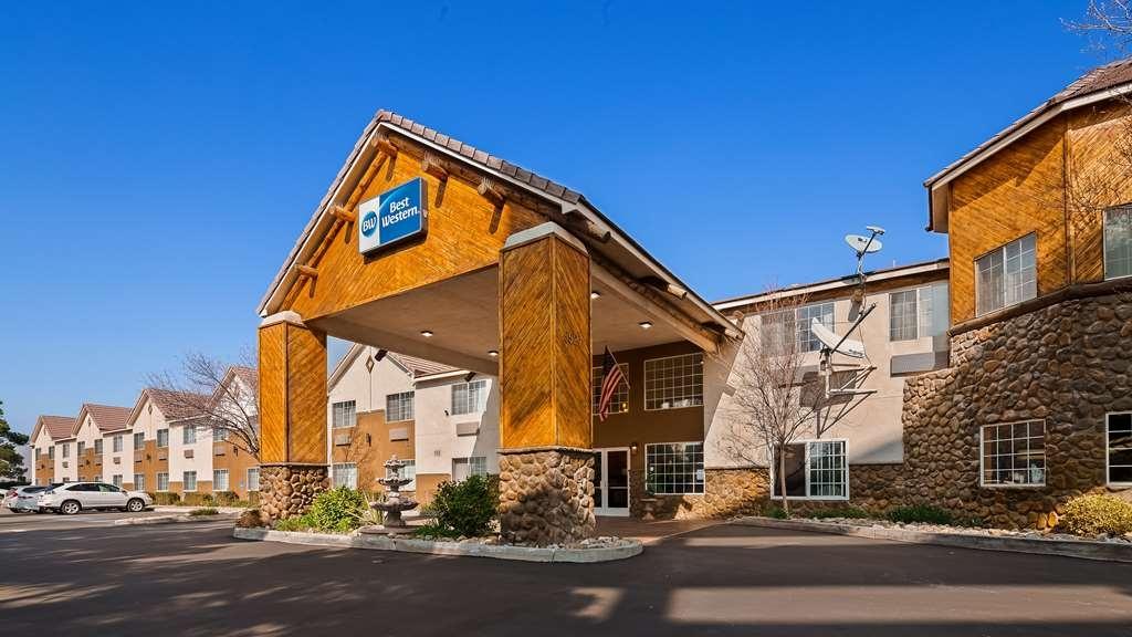 Best Western Liberty Inn - Façade