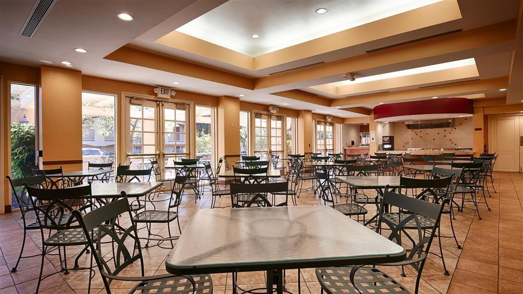 Best Western Plus Palm Desert Resort - Breakfast Area