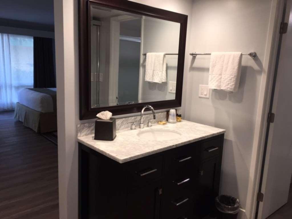 Best Western Plus Dana Point Inn-by-the-Sea - Upgraded Bath