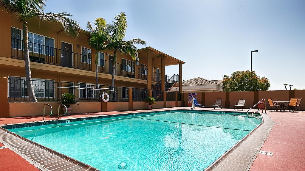 Best Western Orange Plaza - Vue de la piscine