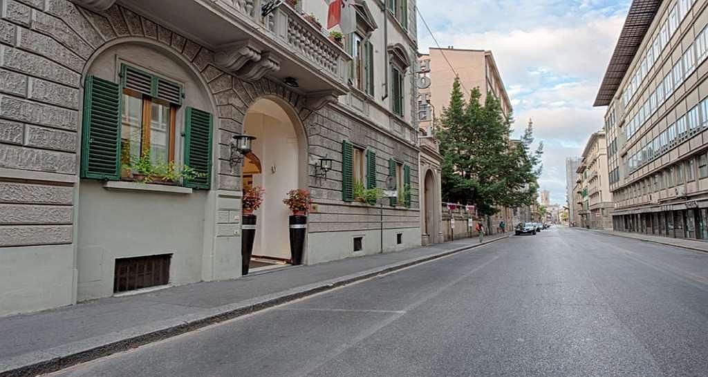 De La Pace, Sure Hotel Collection by Best Western - Area esterna