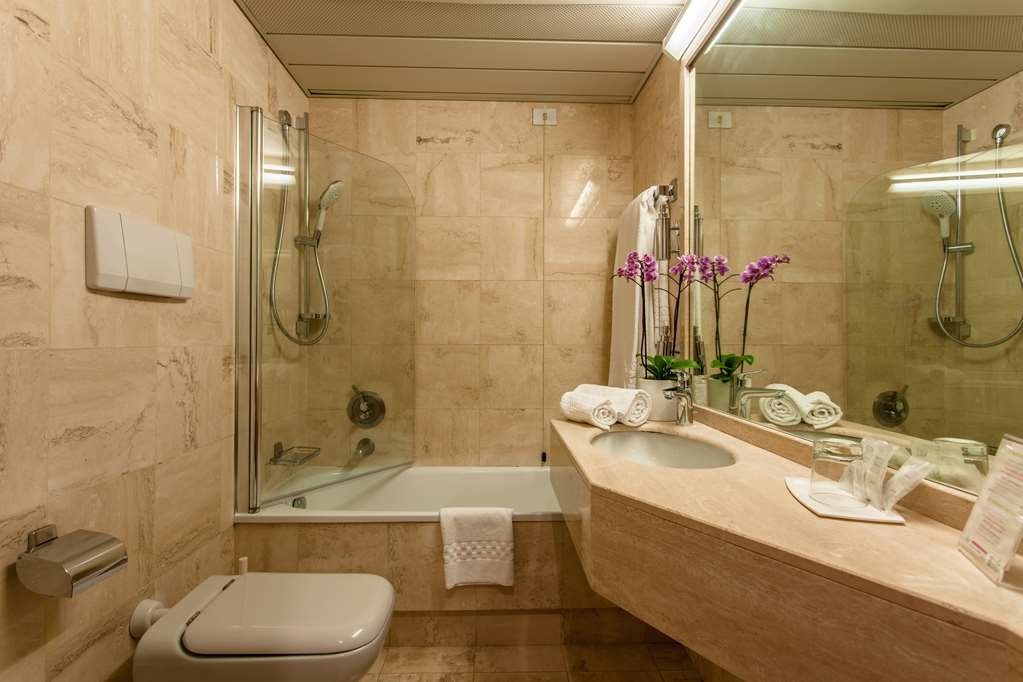 Etrusco, Sure Hotel Collection by Best Western - Guest Bathroom