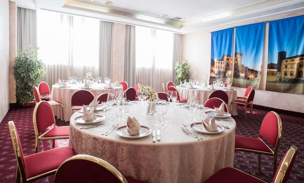 Etrusco Arezzo Hotel, Sure Hotel Collection by Best Western - Restaurant / Gastronomie