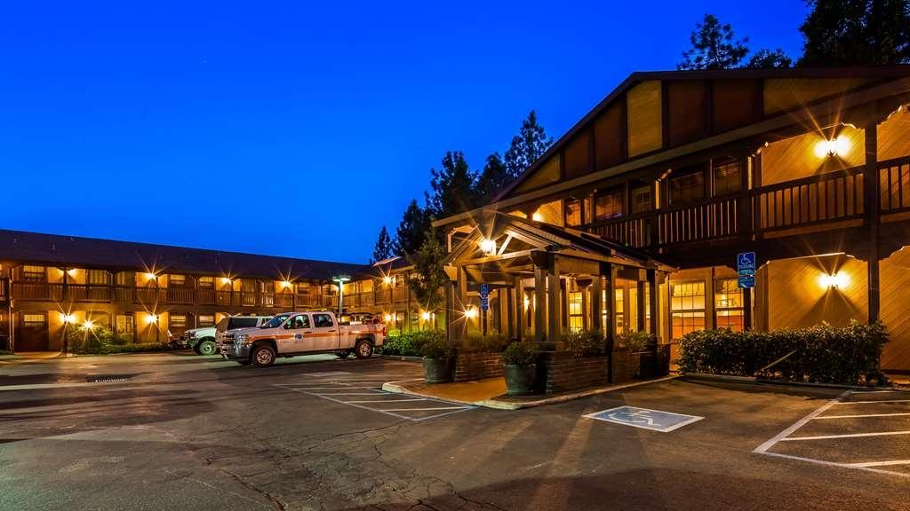 Best Western Stagecoach Inn - Facciata dell'albergo