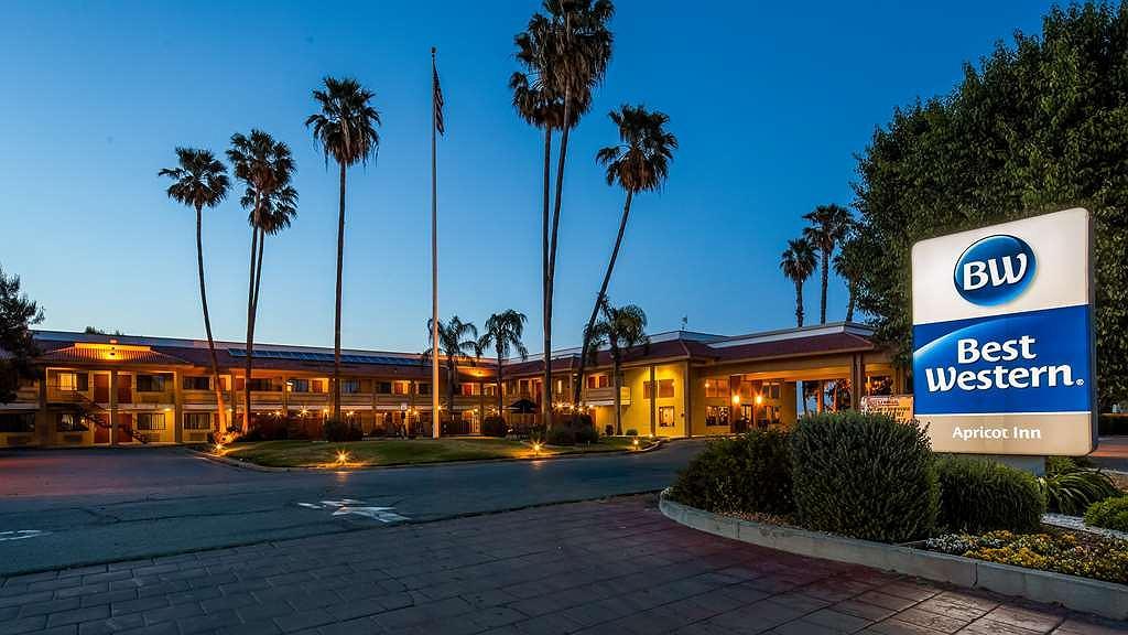 Best Western Apricot Inn - Vista exterior