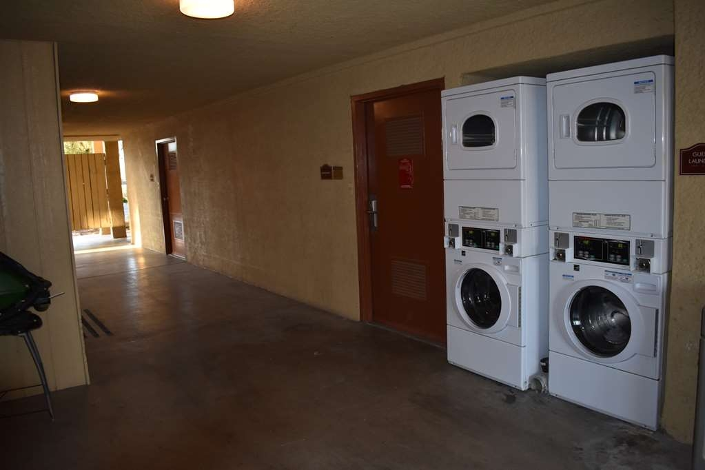 Best Western Apricot Inn - Guest Laundry