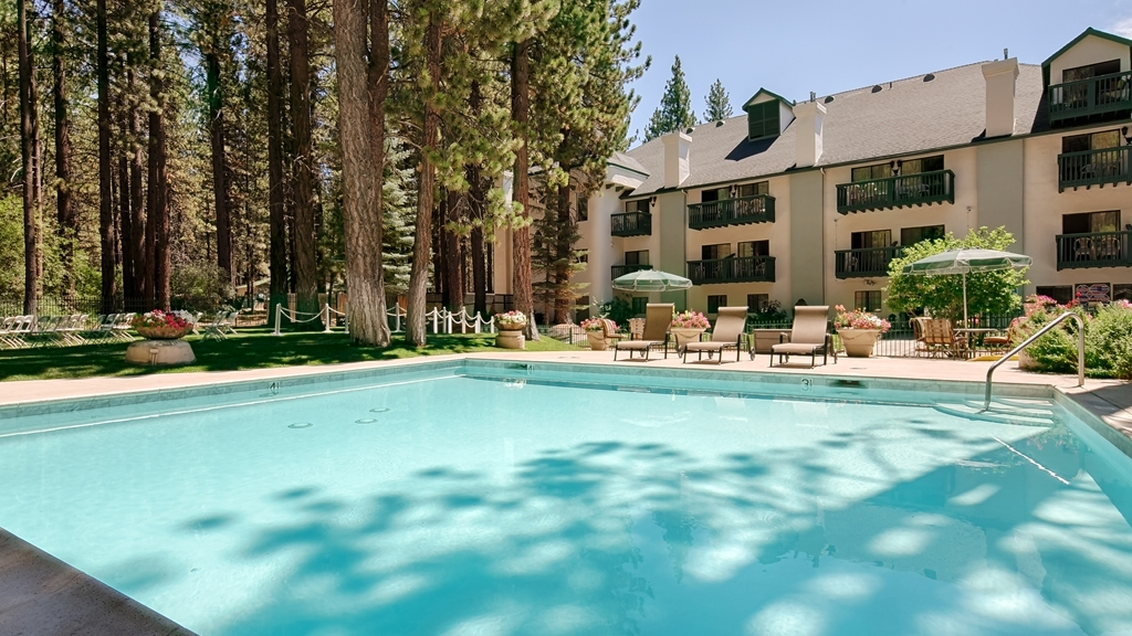 Best Western Big Bear Chateau - Vista de la piscina