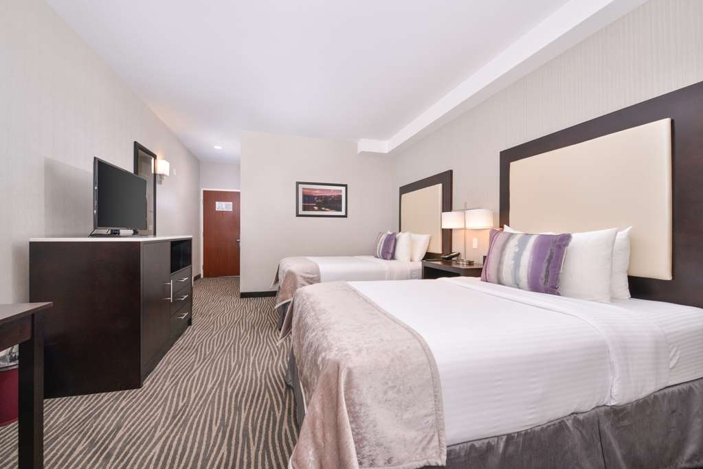 Best Western Plus Hotel at the Convention Center - If you're traveling with your family or group of friends, opt for our two double beds guest room.
