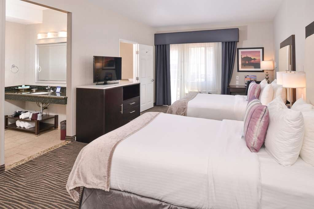 Best Western Plus Hotel at the Convention Center - Mobility Accessible Two Double Guest Room