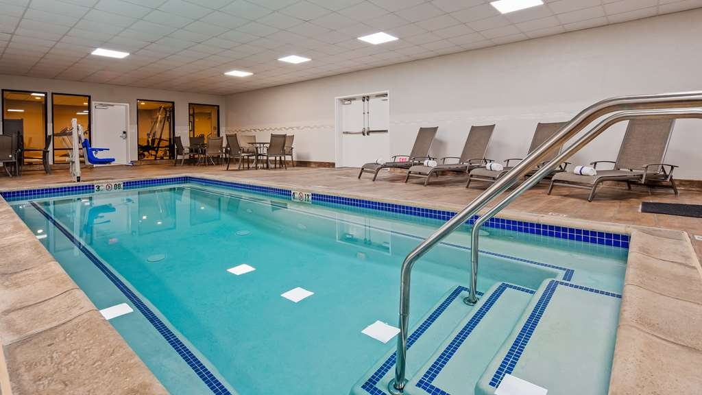 Best Western Plus Hotel at the Convention Center - Piscina