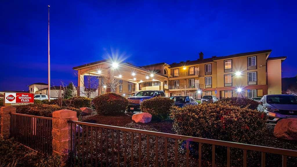 Best Western Plus Country Park Hotel - Aussenansicht