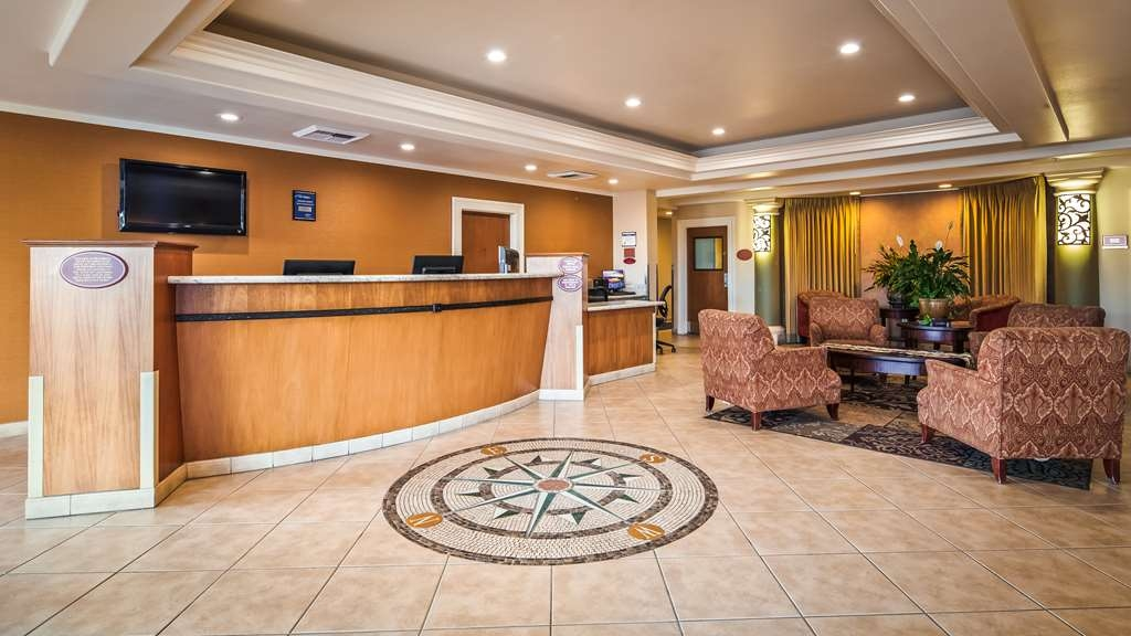Best Western Plus Country Park Hotel - Front Desk