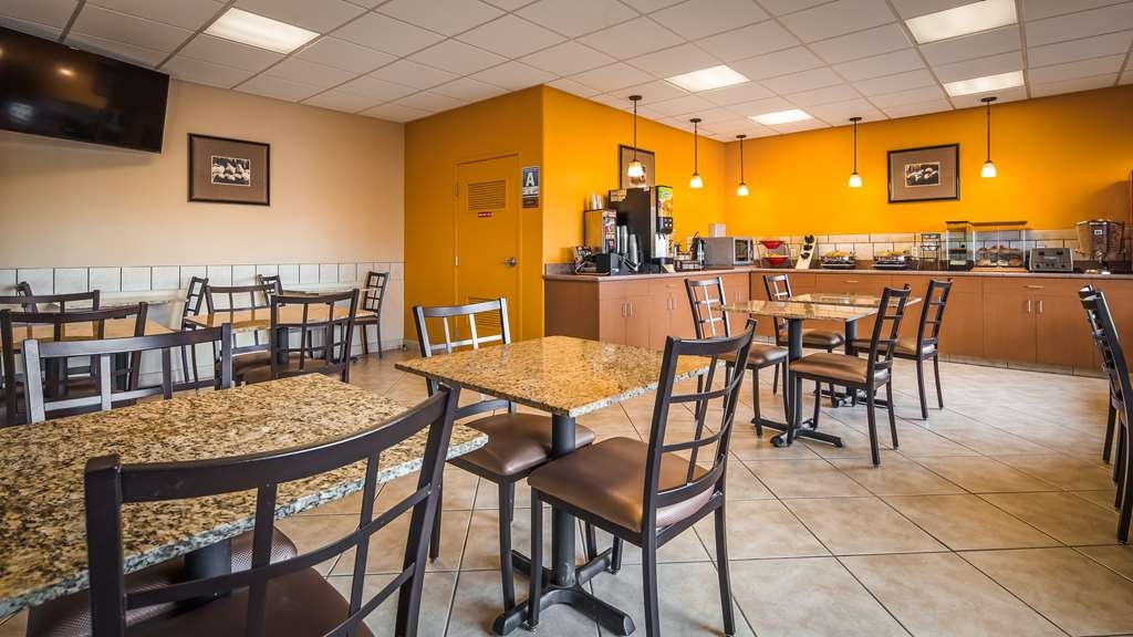 Best Western Plus Country Park Hotel - Breakfast Area