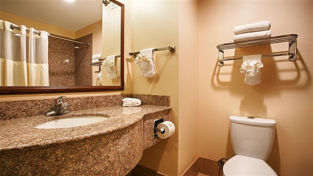 Best Western I-5 Inn & Suites - Baño