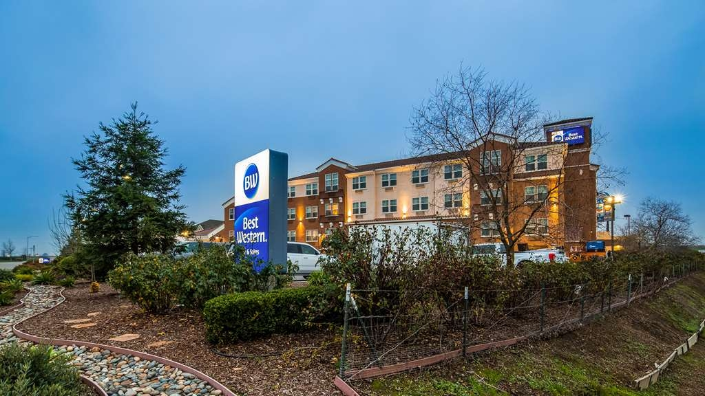 Best Western I-5 Inn & Suites - Façade