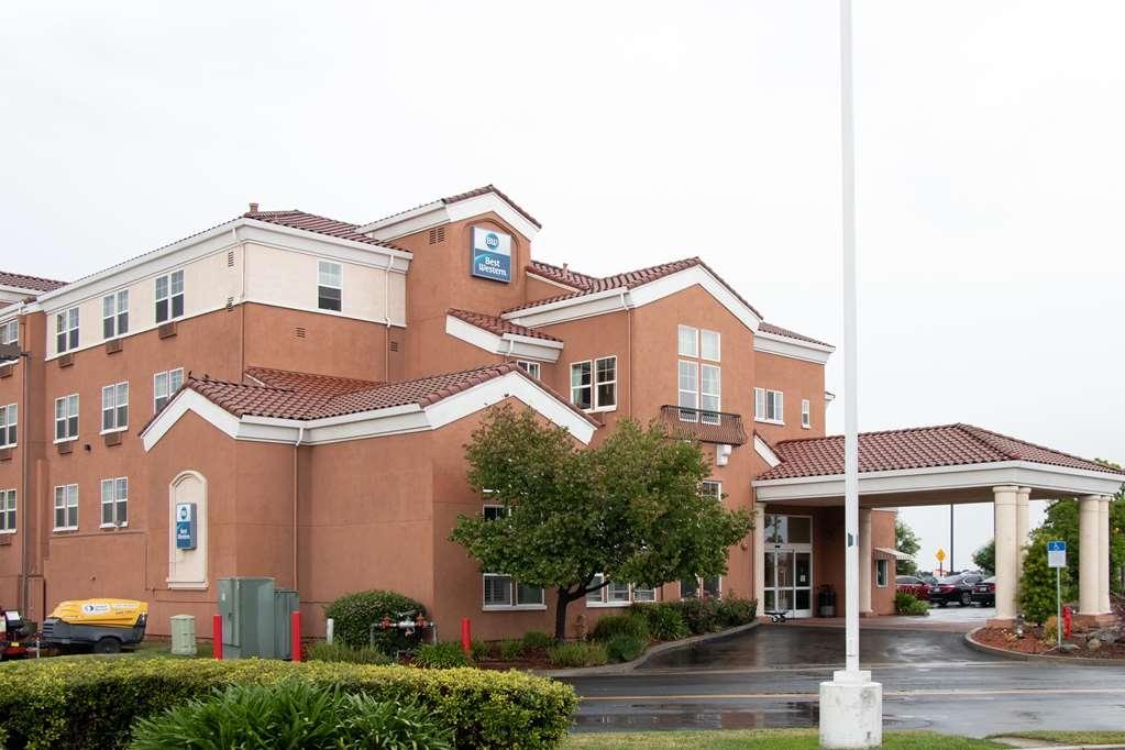 Best Western I-5 Inn & Suites - Façade