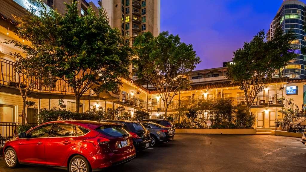 Best Western Cabrillo Garden Inn - Facciata dell'albergo