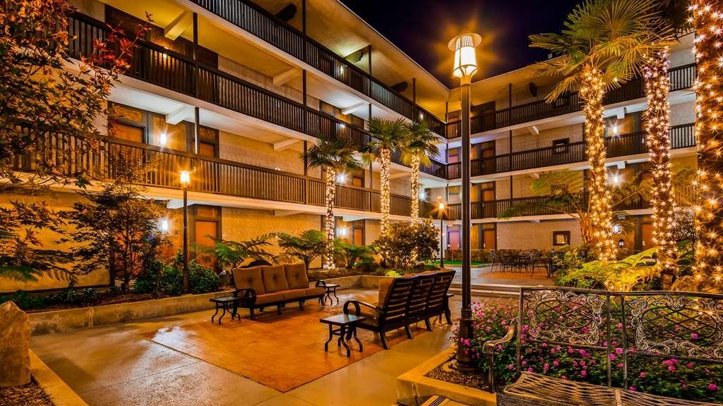 Best Western Plus Thousand Oaks Inn - proprietà amenità