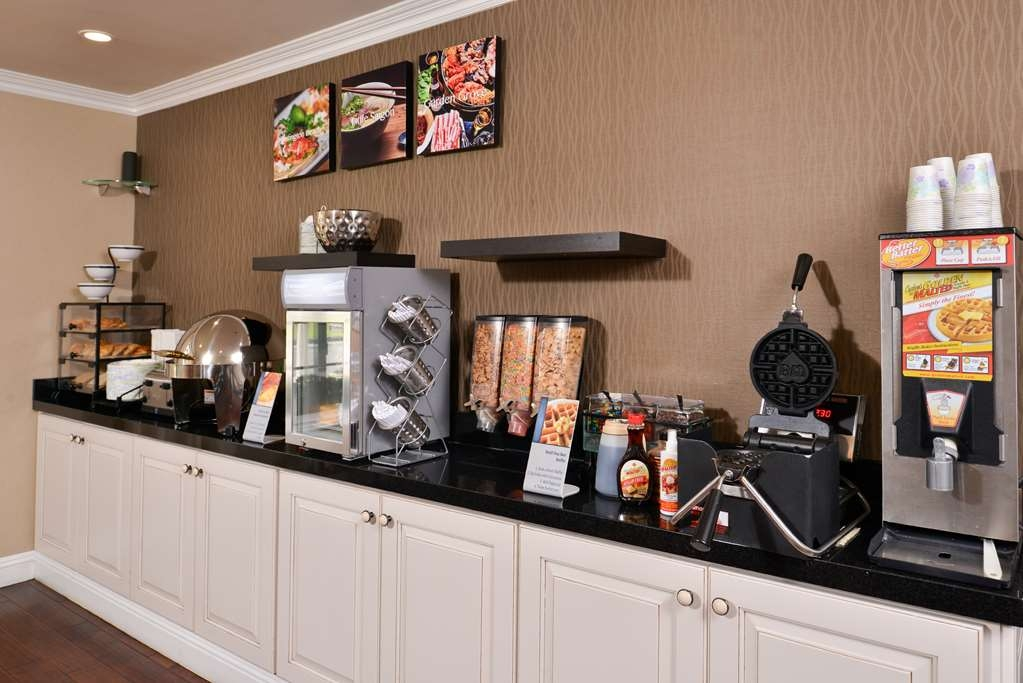 Best Western Palm Garden Inn - Start your day off right with our many choices of breakfast items for our daily continental breakfast.