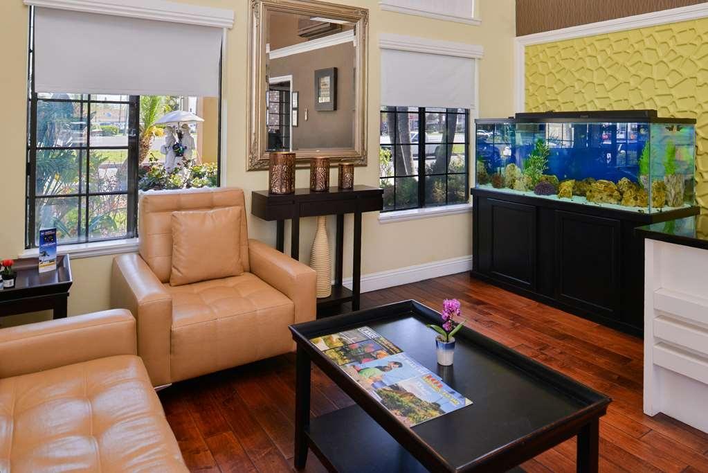 Best Western Palm Garden Inn - Lobby