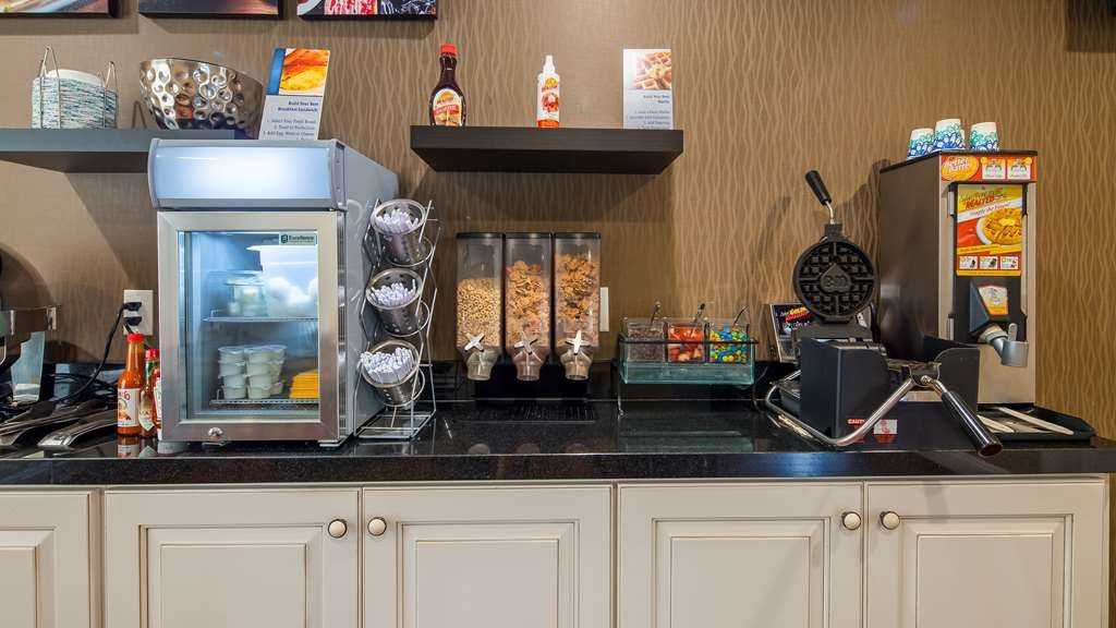 Best Western Palm Garden Inn - Breakfast Area