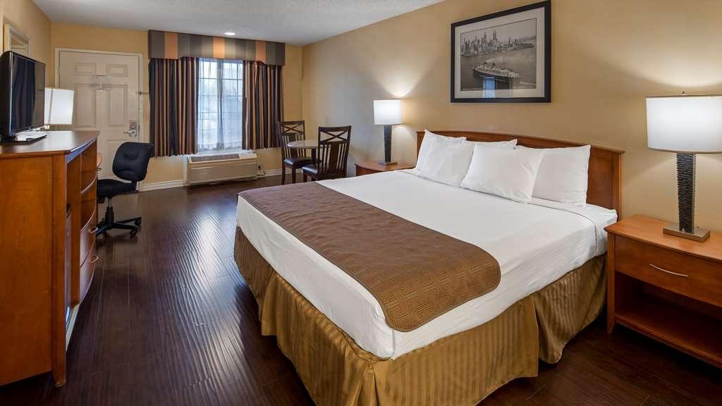 Best Western Palm Garden Inn - 1 King Bed