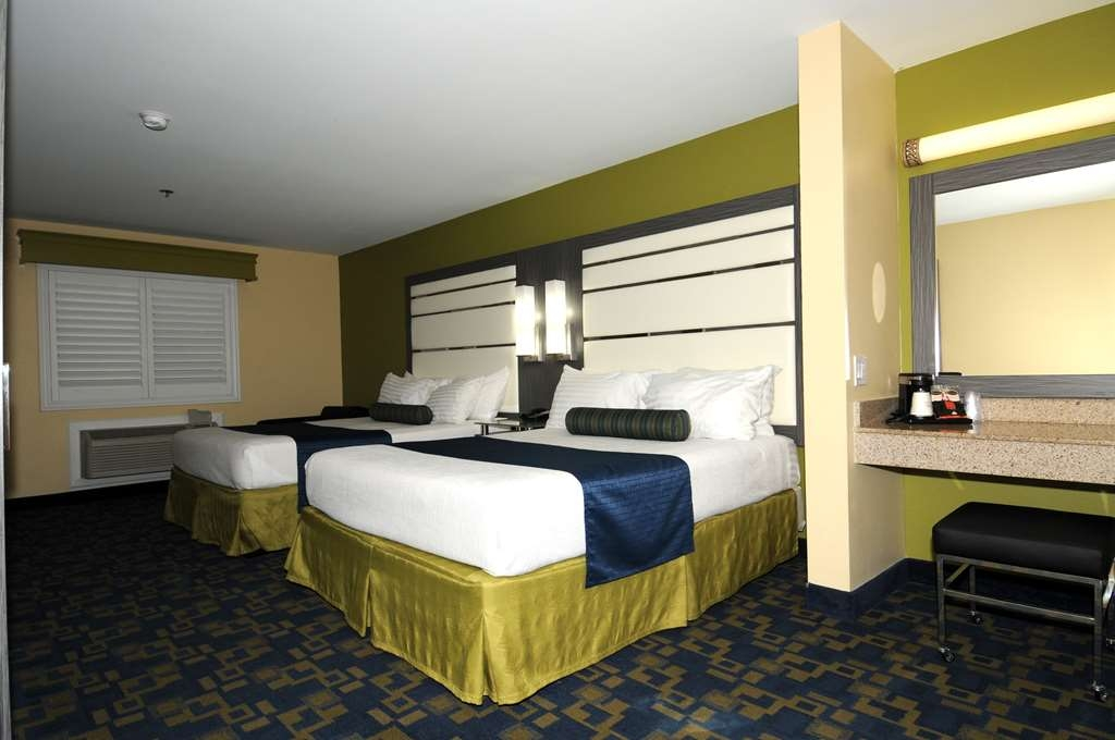 Best Western Antelope Inn & Suites - 2 queen beds