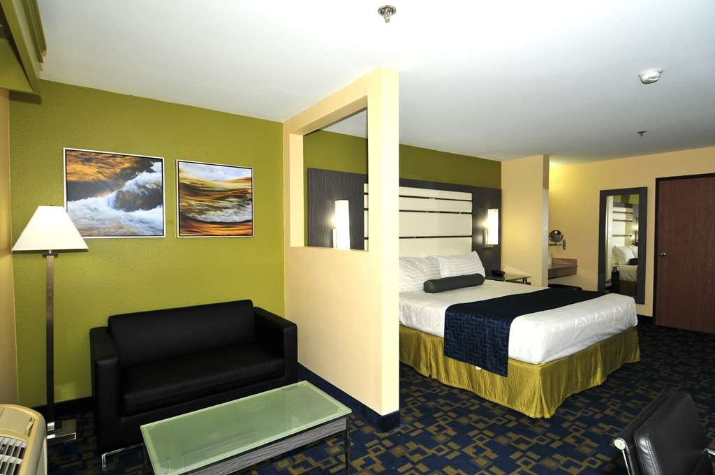 Best Western Antelope Inn & Suites - King Suite