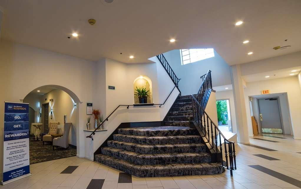 Best Western Posada Royale Hotel & Suites - Vista del vestíbulo