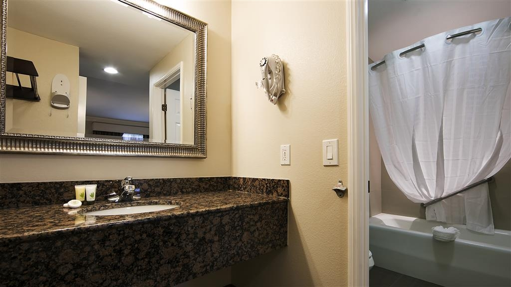 Best Western Woodland Hills Inn - Enjoy getting ready for the day in our fully equipped guest bathrooms.