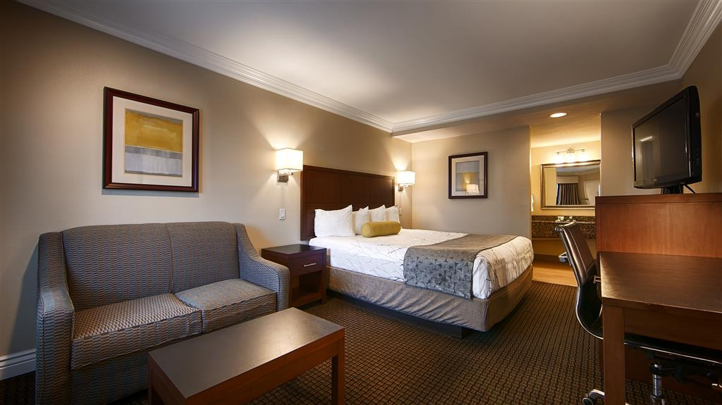 Best Western Woodland Hills Inn - Suite