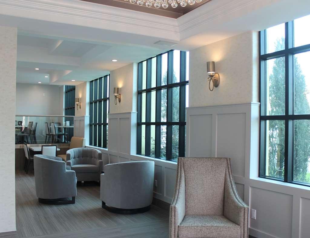 Best Western Woodland Hills Inn - Hall