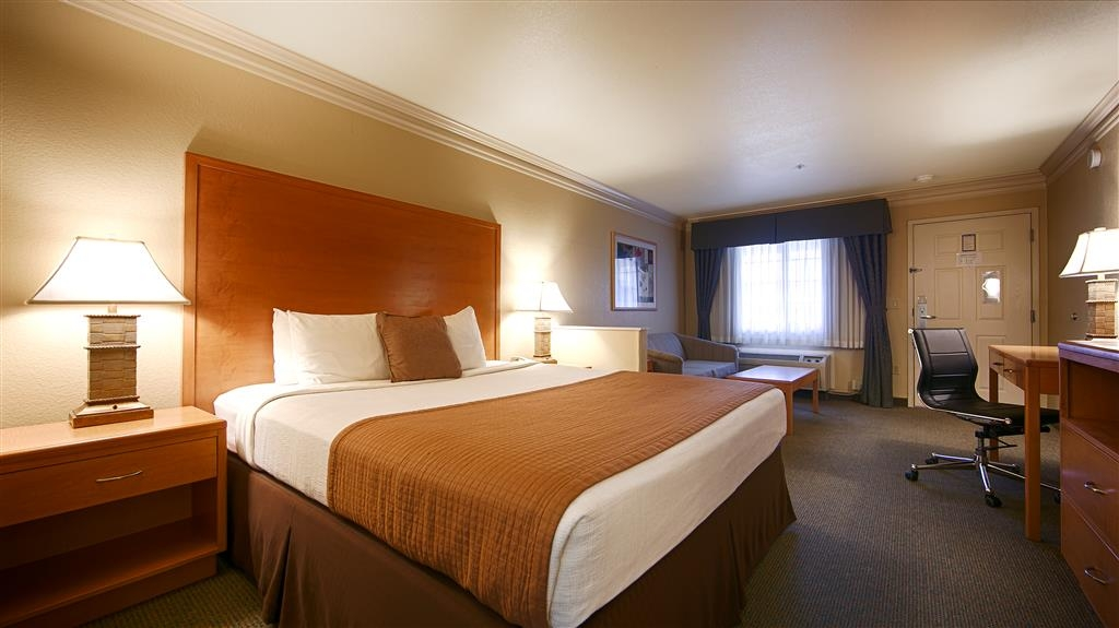 Best Western Inn & Suites Lemoore - Chambres / Logements