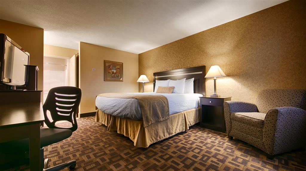 Best Western Plus Pleasanton Inn - Sink into our comfortable beds each night and wake up feeling completely refreshed.