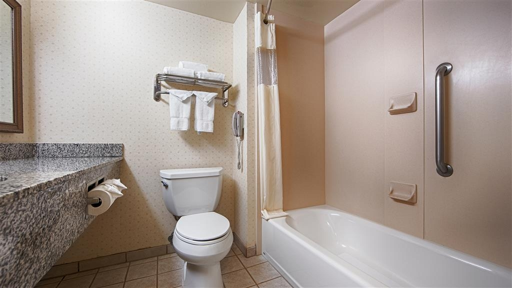 Best Western Coyote Point Inn - Bagno