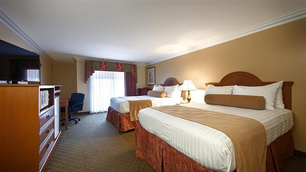 Best Western Harbour Inn & Suites - Two Queen Beds