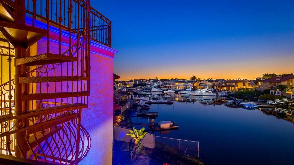 Best Western Harbour Inn & Suites - Hotel View
