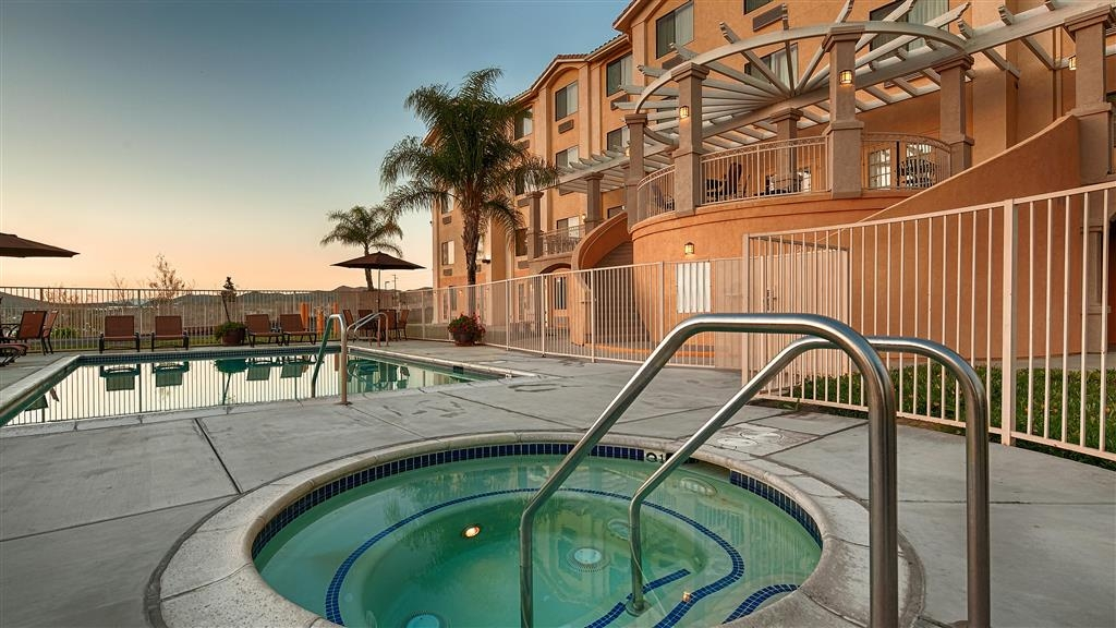 Best Western Plus Lake Elsinore Inn & Suites - chaud baignoire