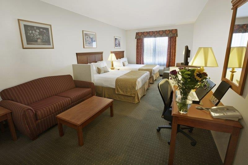 Best Western Plus Lake Elsinore Inn & Suites - Suite avec deux lits queen size