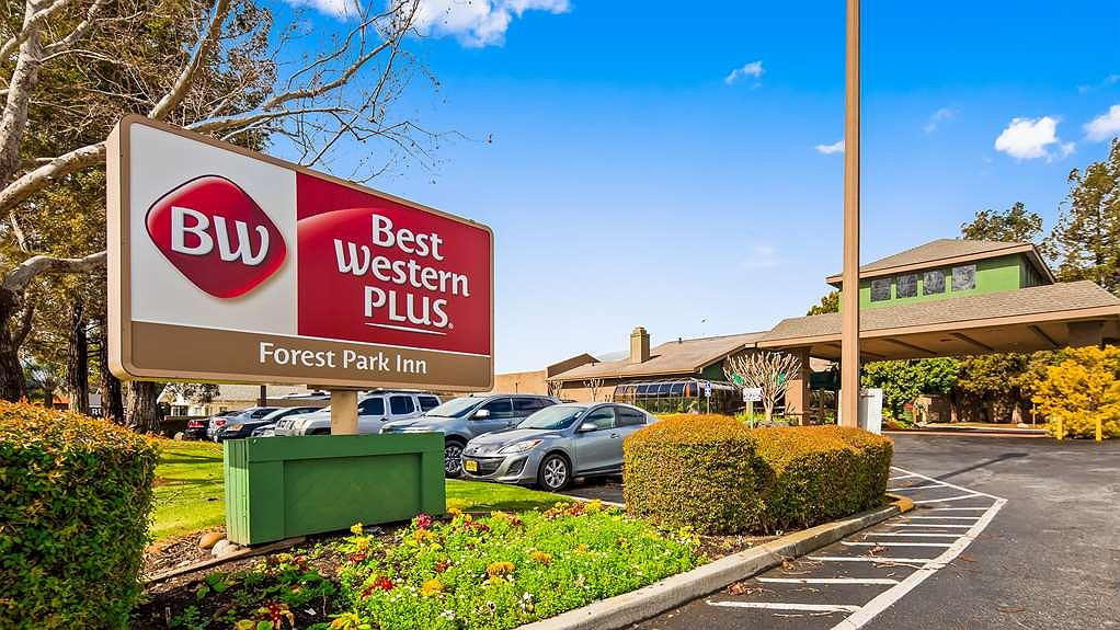 Best Western Plus Forest Park Inn - Thereu2019s no better way to experience Gilroy than from the Best Western Plus Forest Park Inn which is located minutes away from the Gilroy Premium Outlets. #ShopTillYouDrop #BestWesternGilroy