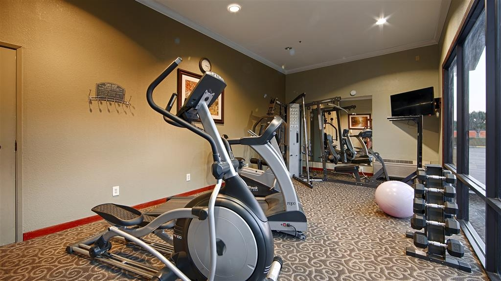 Best Western Plus Forest Park Inn - There is no need to take a break from your regular fitness routine during your stay with us. #FitnessGoals #Fitness4Life #GymTime