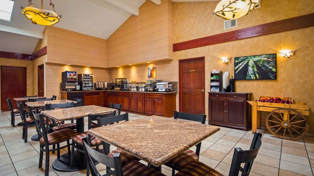 Best Western Plus Forest Park Inn - Restaurante/Comedor